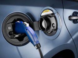 Фонарные столбы научили заряжать электромобили