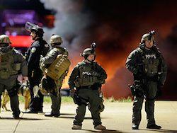 2 агента ФБР получили огнестрельные ранения недалеко от Фергюсона